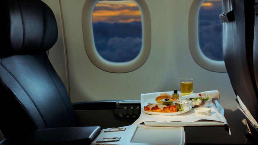 Защо храната в самолетите не е вкусна?