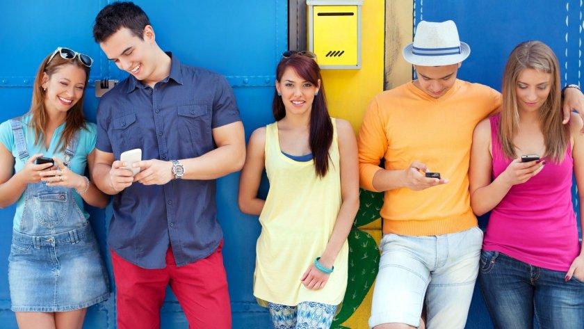 Младите онлайн купувачи – изискващи, нелоялни и бързащи