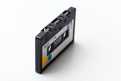Аналогов маркетинг – когато Били Айлиш издаде касетка