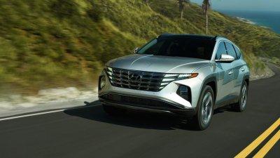 Рекламната кампания на новия Hyundai Tucson 2022: Поставяй всичко под въпрос