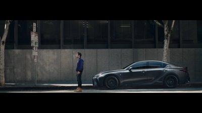 """""""Вечните"""" и Lexus: вечното търсене на място за паркиране"""